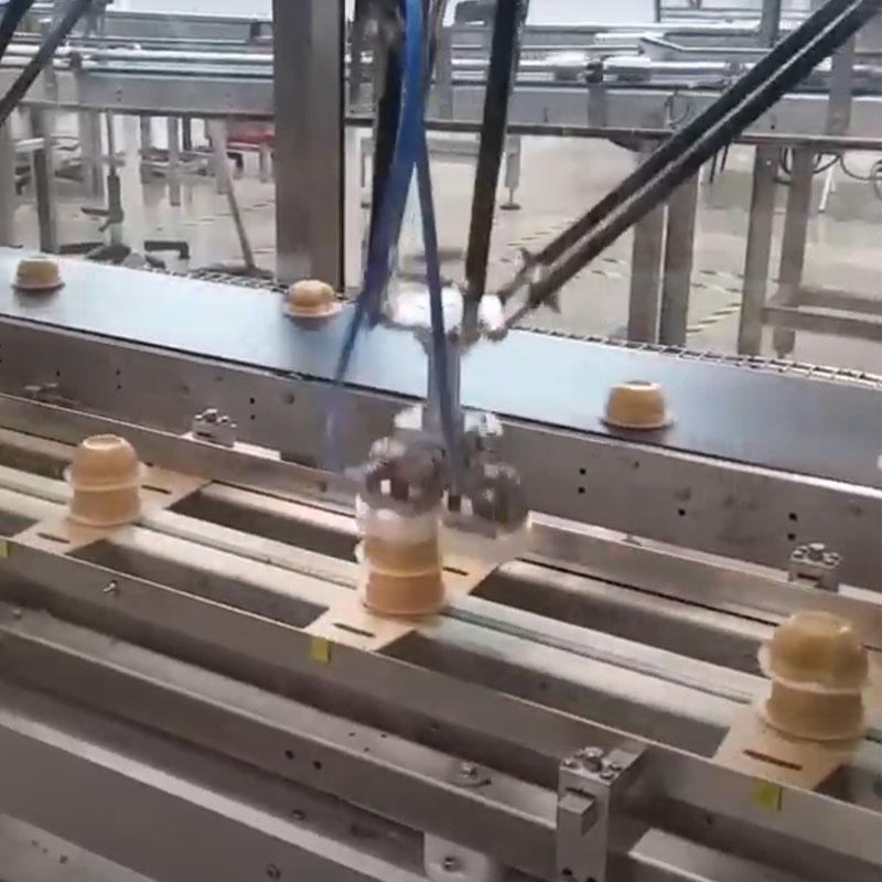 Упаковка йогуртов в картон Топ Лод, готовое оборудование Украина