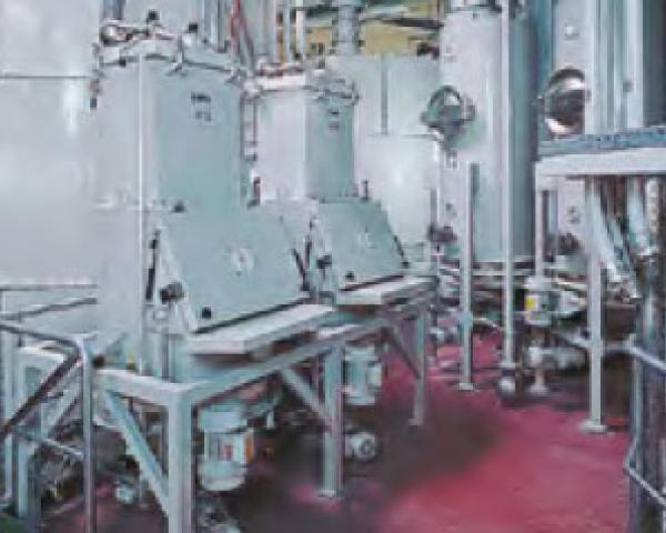 Оборудование для автоматизации, выгрузка с помощью вибрационного дна у беспылевого растаривателя AZO модель ET P