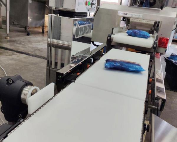 Контроль веса морепродуктов после мультиголовки, готовое оборудование Украина