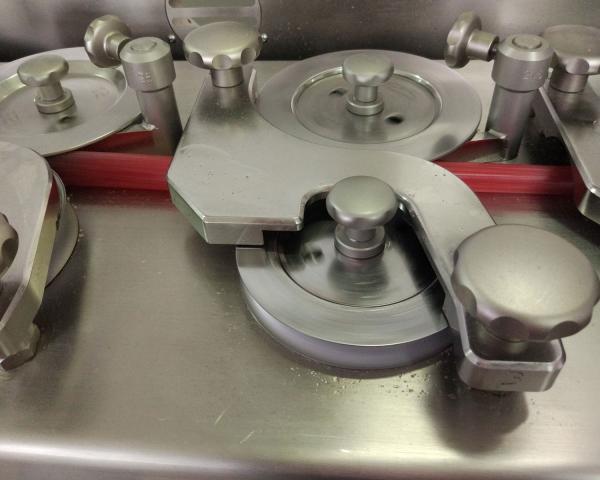 Увеличение количества начинки в леденцовой карамели и создание современной формы карамели, готовое оборудование Украина