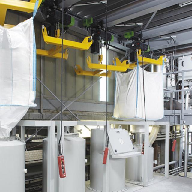 Оборудование для автоматизации, станция разгрузки биг-бэгов компании AZO